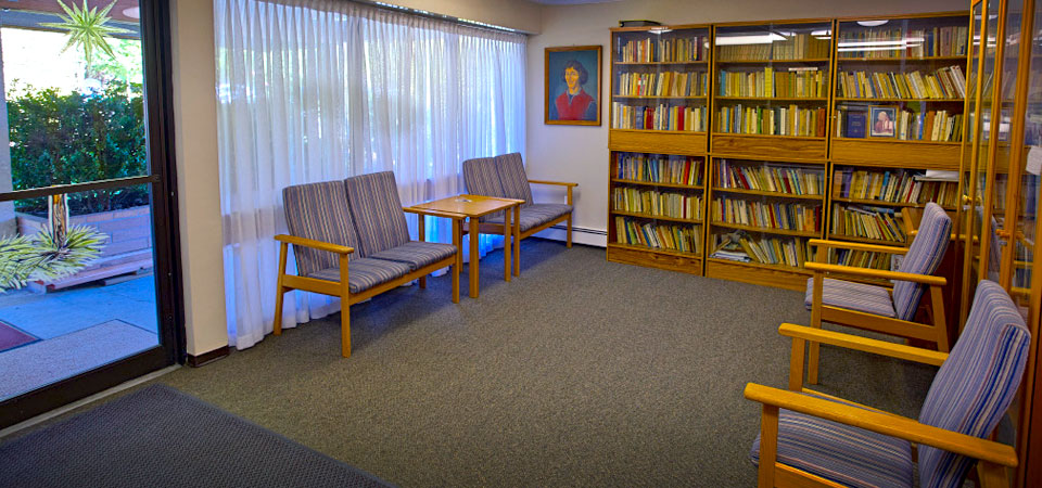 Amenities and Comfort | Library Interior – Kopernik Apartments
